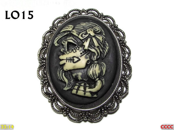 Badge / Brooch LO15, Oval Cameo, Pigtailed Zombie , Silver setting (40x50mm)