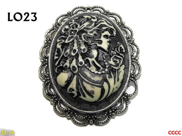 Badge / Brooch LO23, Oval Cameo, Ringlets , Silver setting (40x50mm)