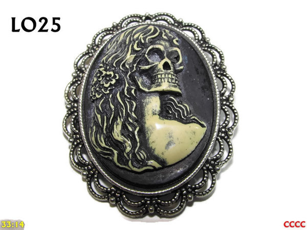 Badge / Brooch LO25, Oval Cameo, Hair, Silver setting (40x50mm)