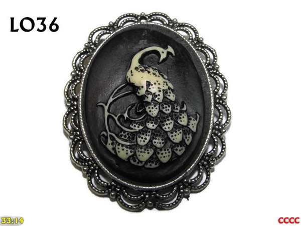 Badge / Brooch LO36, Oval Cameo, Peacock, Silver setting (40x50mm)