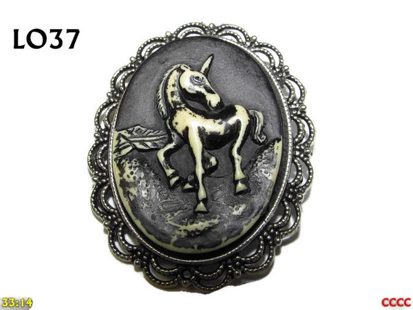 Badge / Brooch LO37, Oval Cameo, Unicorn, Silver setting (40x50mm)