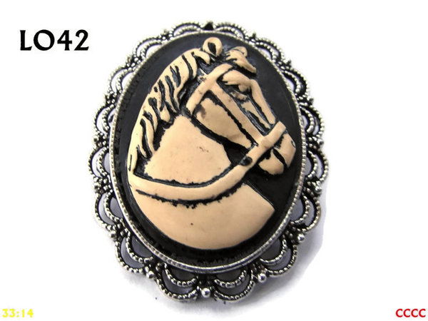 Badge / Brooch LO42, Oval Cameo, Horse, Silver setting (40x50mm)
