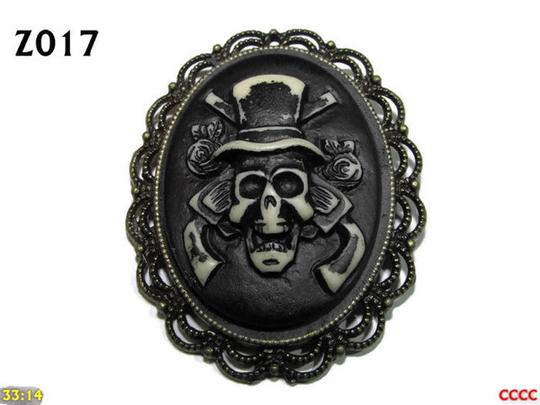 Badge / Brooch ZO17, Oval Cameo, Top Hat Skull , Bronze setting (40x50mm)