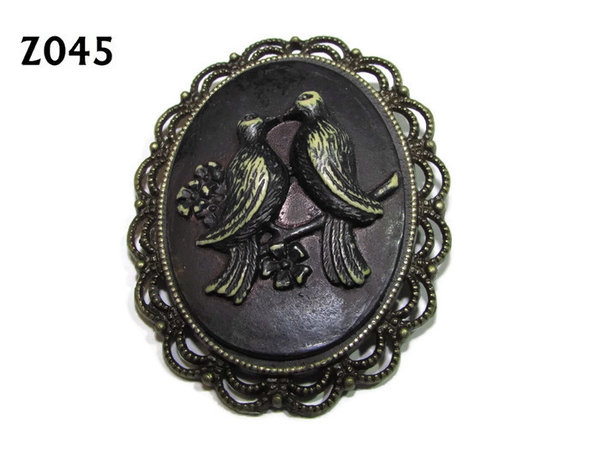 Badge / Brooch ZO45, Oval Cameo, Lovebirds, Bronze setting (40x50mm)