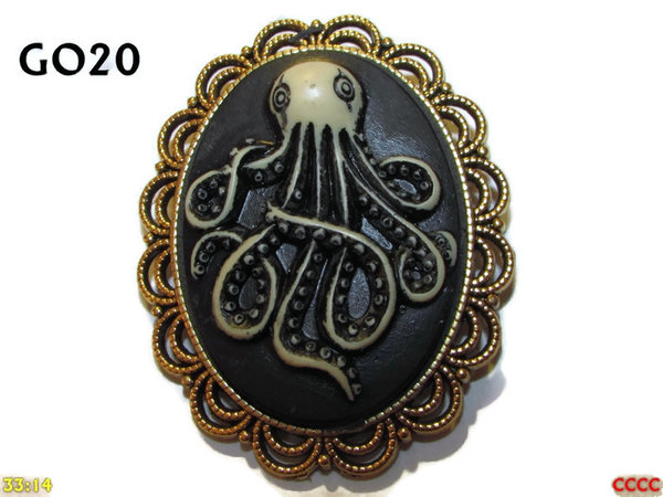 Badge / Brooch GO20, Oval Cameo, Kraken (tall) , Gold setting (40x50mm)