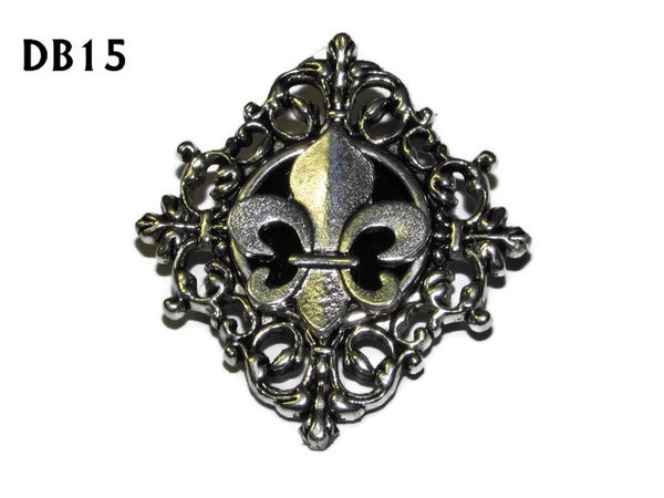 Lapel badge, DB15, Fleur de Lis design silver, diamond shaped silver setting (34x37mm)