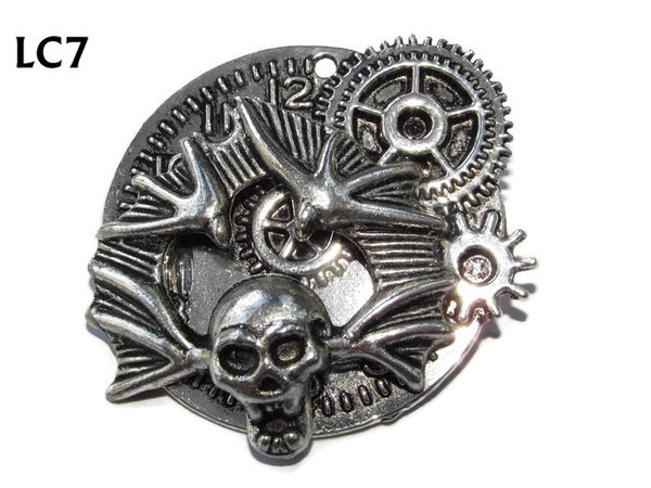 Badge/ Brooch, LC07, Silver clock backing with winged skull, (45x45mm)