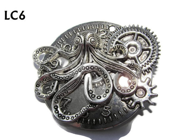 Badge/ Brooch, LC06, silver clock backing with silver kraken, (45x45mm)