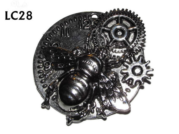 Badge/ Brooch, LC08,  Silver clock backing with silver bee, (45x45mm)