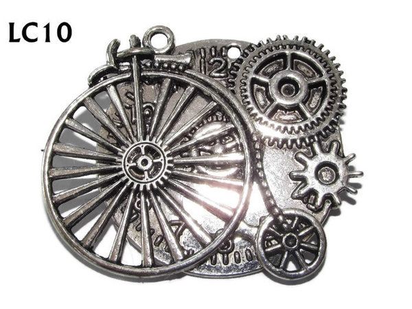 Badge/ Brooch, LC10,  Silver clock backing with silver penny farthing, (45x45mm)
