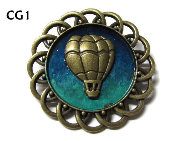 Badge / Brooch, CG01, Balloon, Green/Blue, Round Curly Edge, (44mm dia)