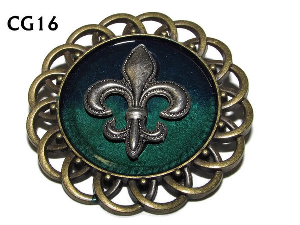 Badge / Brooch, CG16, Fleur de Lis silver, Green/Blue, Round Curly Edge, (44mm dia)