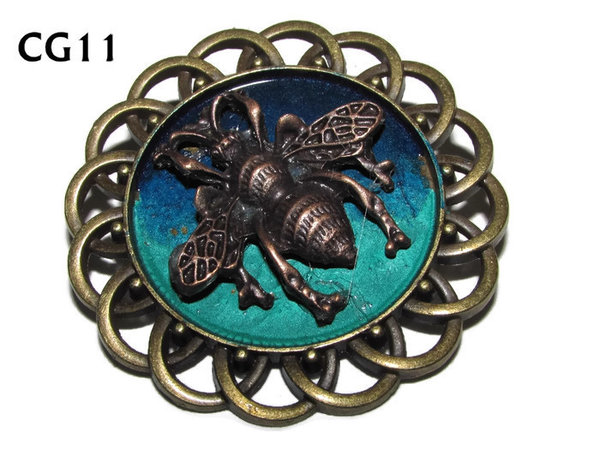 Badge / Brooch, CG11, Bee, Green/Blue, Round Curly Edge, (44mm dia)