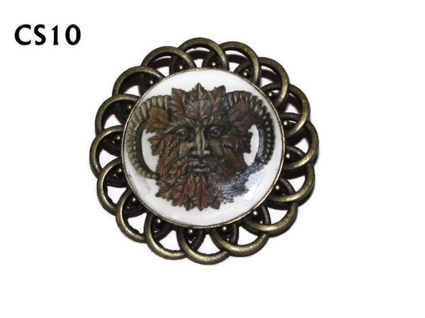 Badge / Brooch, CS10, Green Man Graphic, Round Curly Edge, (44mm dia)