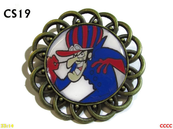 Badge / Brooch, CS19, Dick Dastardly Graphic, Round Curly Edge, (44mm dia)