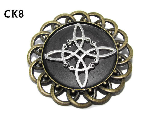 Badge / Brooch, CK08, Witch's Knot, Black, Round Curly Edge, (44mm dia)