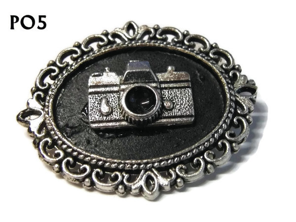 Badge / Brooch, PO05, Camera, Oval Backing, (30x37mm approx)
