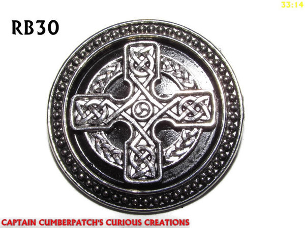 Badge / Brooch, RB30, Celtic Cross, silver setting with black background (39mm dia.)