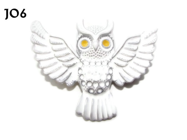 Badge / Brooch, JO06, White Flying Owl with yellow eyes. (55x47mm)