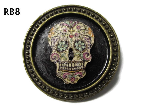 Badge / Brooch, RB08, Sugar Skull #5, silver setting with black background (39mm dia.)