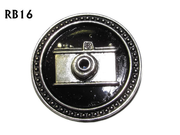 Badge / Brooch, RB16, Camera symbol, silver setting with black background (39mm dia.)