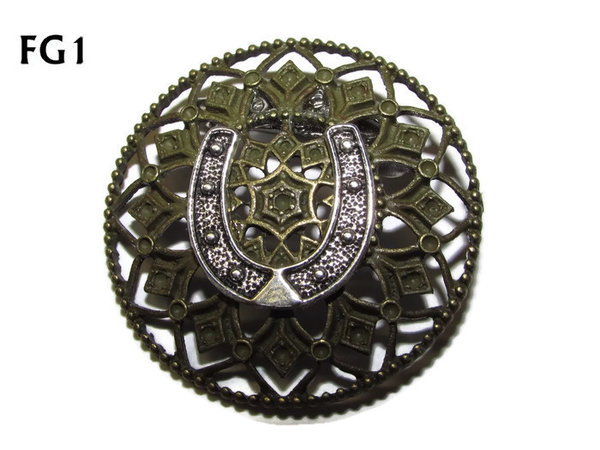Badge / Brooch, FB01, Horseshoe, Filigree. (39mm dia.)