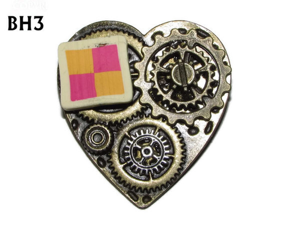 Badge / Brooch, BH03, Bronze Heart, Battenburg & Gears (38x42mm)