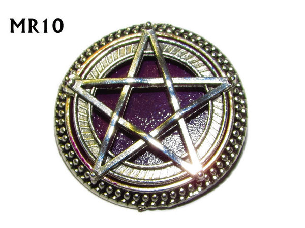 Badge / Brooch, MR10, Pentagram on Purple background, Round Silver setting (32mm dia.)