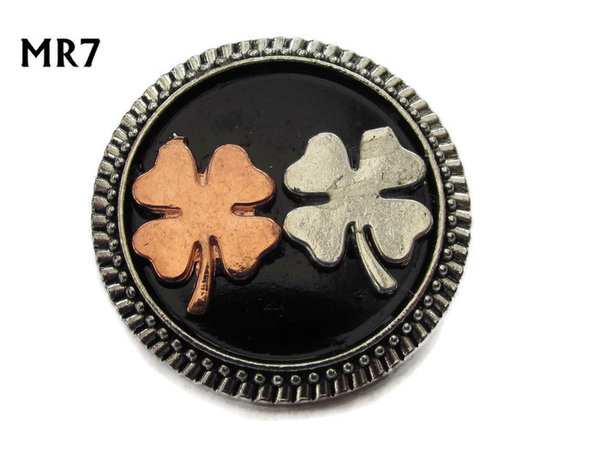 Badge / Brooch, MR07, Clovers on black background, Round Silver setting (32mm dia.)