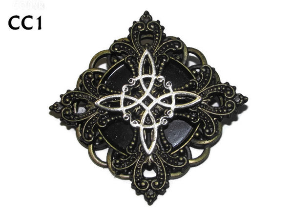 Badge / Brooch, CC01, Witch's Knot, Round / Gothic setting (56x56mm max)