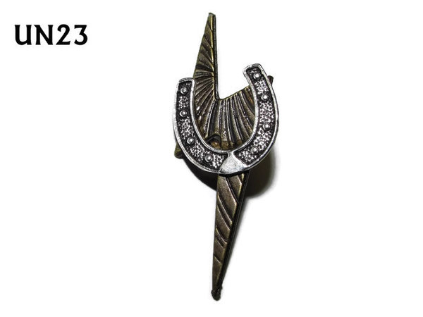Badge / Brooch, UN23, Horse shoe lightning bolt, (25x50mm)