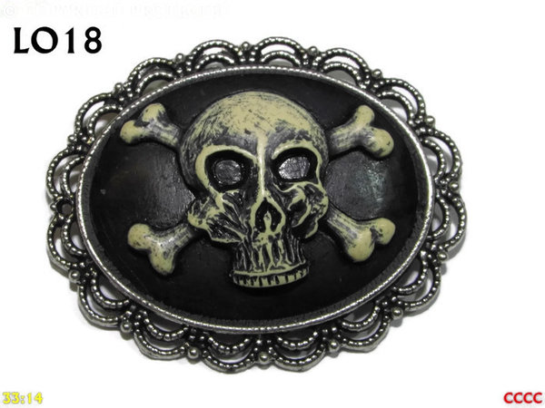 Badge / Brooch LO18, Oval Cameo, Skull & Crossbones , Silver setting (40x50mm)