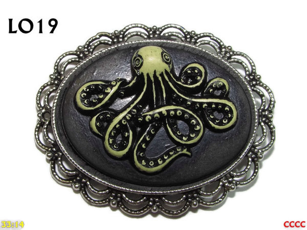 Badge / Brooch LO19, Oval Cameo, Kraken (wide) , Silver setting (40x50mm)
