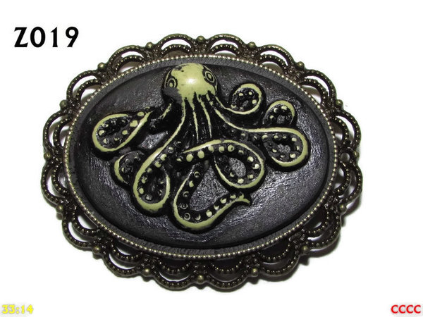 Badge / Brooch ZO19, Oval Cameo, Kraken (wide) , Bronze setting (40x50mm)