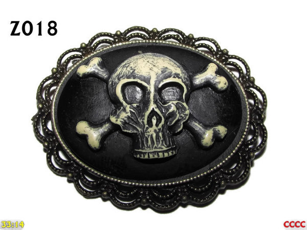 Badge / Brooch ZO18, Oval Cameo, Skull & Crossbones , Bronze setting (40x50mm)