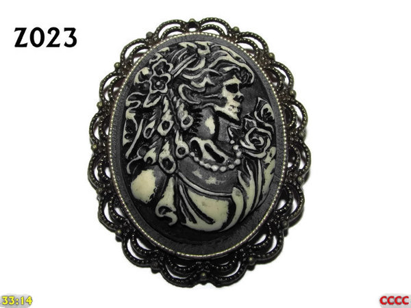 Badge / Brooch ZO23, Oval Cameo, Ringlets , Bronze setting (40x50mm)