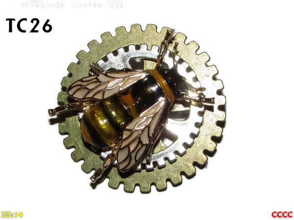 Badge / Brooch, TC26, Steampunk Bee, Stacked Gears (40mm dia approx)