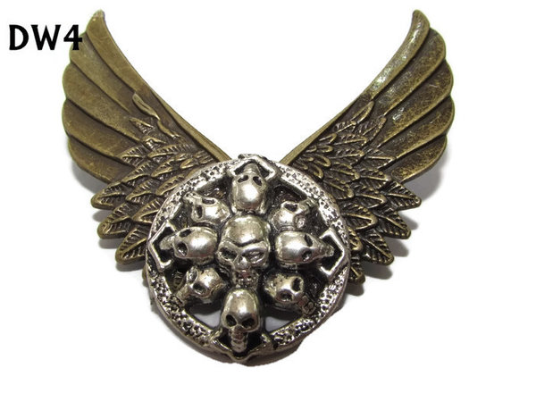 Badge / Brooch, DW04, Skulls on Wings (65mm wide approx)