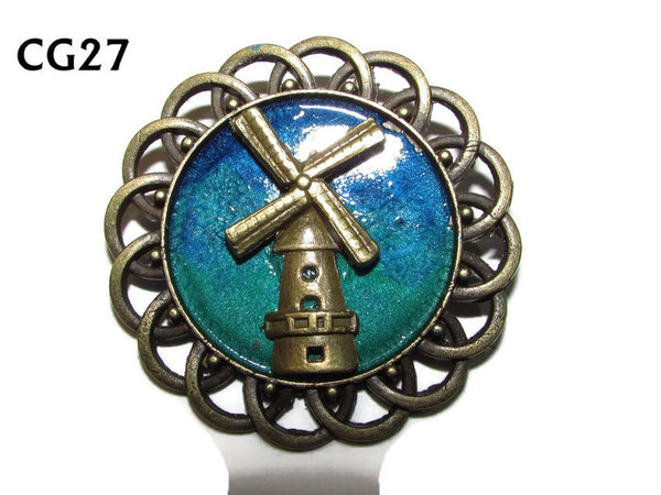 Badge / Brooch, CG27, Windmill, Green/Blue, Round Curly Edge, (44mm dia)
