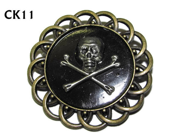 Badge / Brooch, CK11, Skull & Crossbones, Black, Round Curly Edge, (44mm dia)