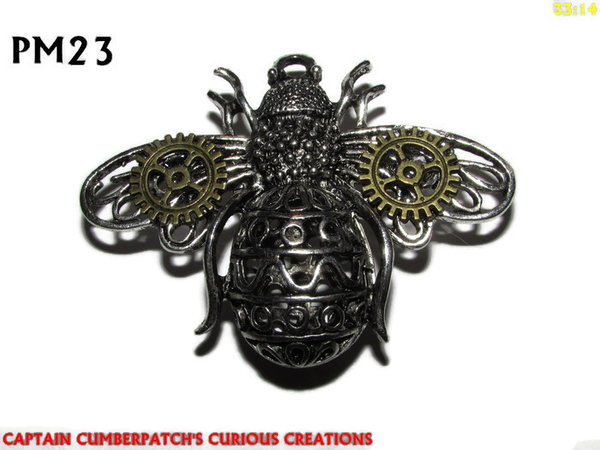 "Badge / Brooch, PM23, ""Fat Bee"" - Silver, bronze cogs"