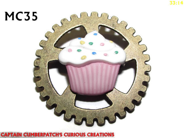 Badge, MC35, Cupcake, pink white, Bronze Gear (30mm dia.)
