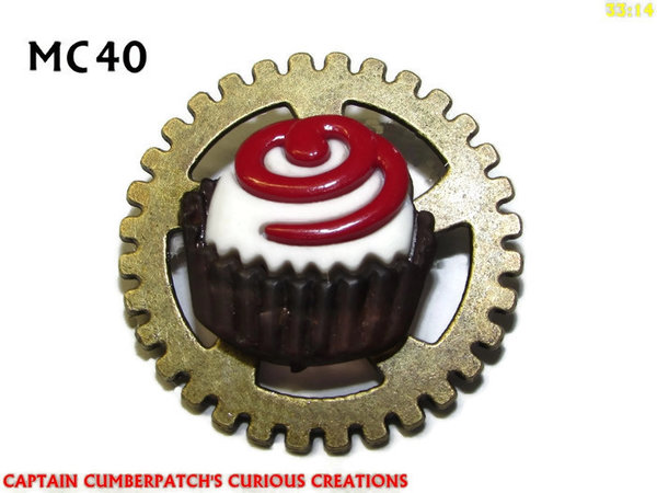Badge / Brooch, MC40, White Cupcake Chocolate Cake / Treat, (30mm dia)