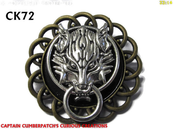 Badge / Brooch, CK72, Silver Wolf, Black, Round Curly Edge, (44mm dia)