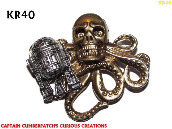 Badge / Brooch, KR40, Skull / C3P0? & R2D2 meet Kraken (57x49mm*)